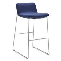 Wini-Connection-Barhocker_Swoosh-Chairs_05
